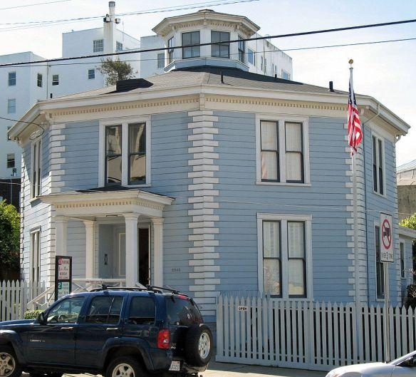 1024px-McElroy_Octagon_House_(San_Francisco)_2